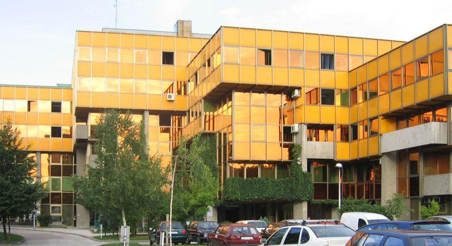 Uređenje enterijera zgrade Elektrodistribucije Sarajevo.
